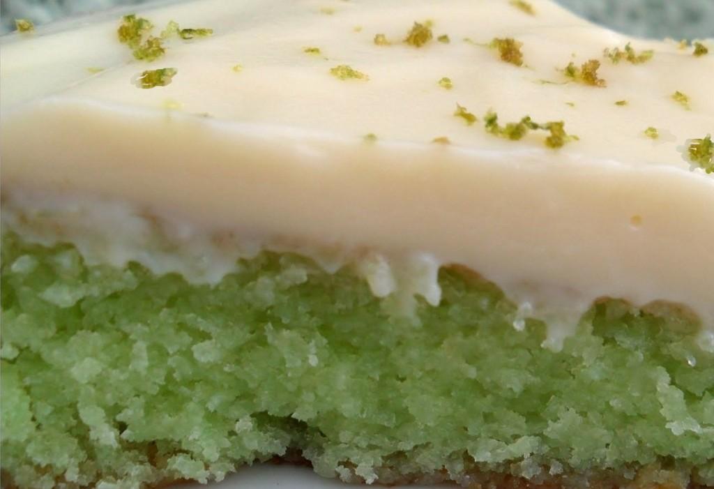 bolo-de-gelatina-com-limao